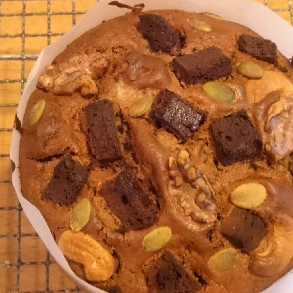 卵不使用 乳製品不使用 ナッツたっぷりチョコケーキ